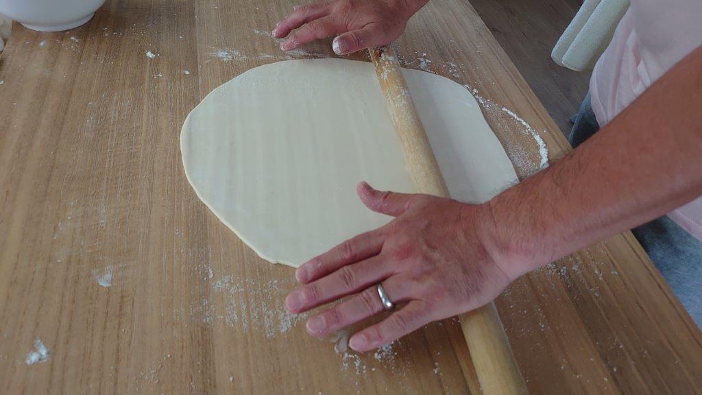 ⑦麺棒で伸ばす
